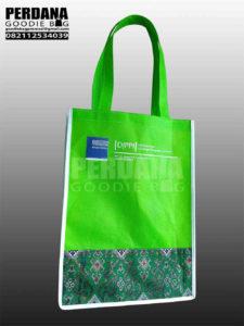 Goodie Bag Dengan Kombinasi Batik