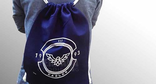 goodie bag serut kanvas biru dongker