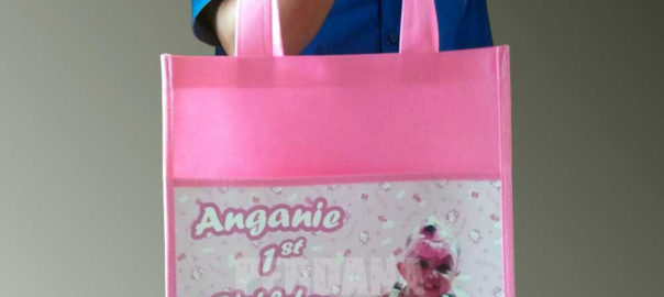 goodie bag ultah anak hello kitty dan foto