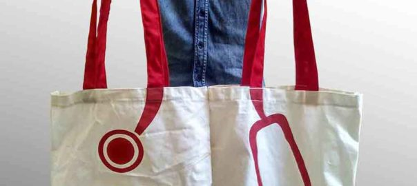 tas dari blacu dengan tali merah