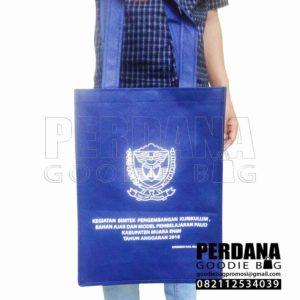 jual tas spunbond ready stock ke Sumatera Selatan Q3772
