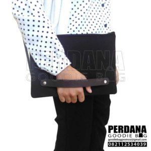 pouch dompet bahan kanvas kombinasi tali kulit sintetis Java Jazz Q3746