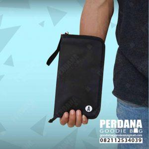 pouch dompet bahan D300 dengan sekat jaring by Perdana Q3907