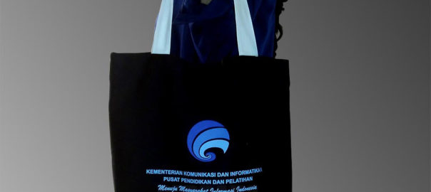 goodie-bag-seminar-bahan-kanvas